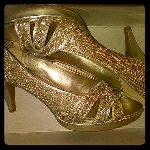 Women Shoes (Bandolino)